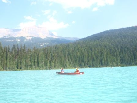 KAYAK EN EMERALD LAKE