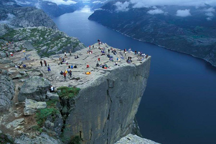 Viaje a Noruega Prekestolen